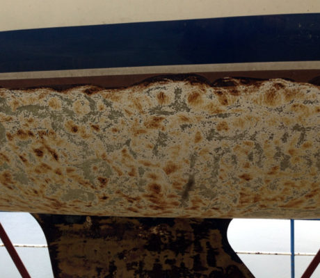 Trattamenti per eliminare osmosi da barche in vetroresina